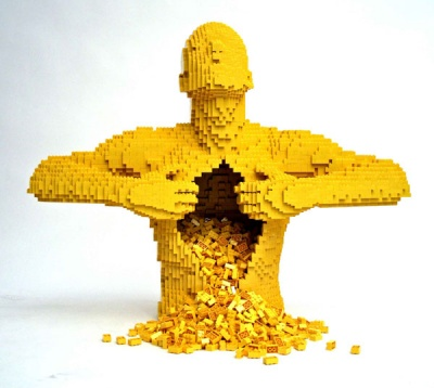 33edd-incredible-lego-art-by-nathan-sawaya-yellow